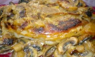 Запечена свинина з грибним соусом