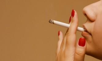 Жінка і сигарета: дорога в нікуди